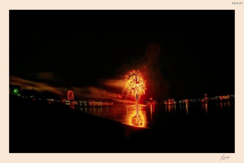 322266_2012-08-05_fognin_firework_p7d_hdr3_1680